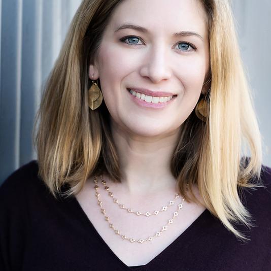 Nora Kenworthy headshot